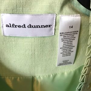 Alfred Dunner Jackets & Coats - Alfred Dunner unconstructed beaded short jacket